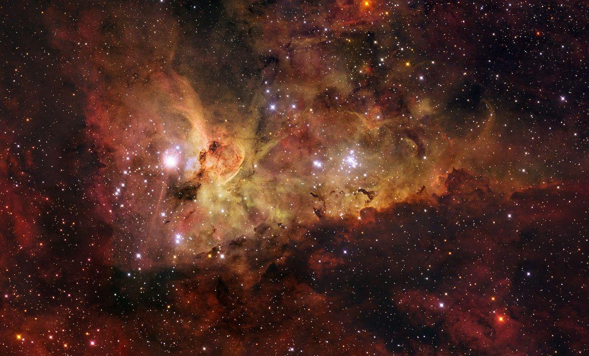 1786px-ESO_-_The_Carina_Nebula_(by)sm.jpg