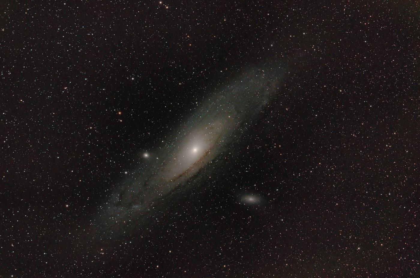 M31-APO-Red-a_4-kl.jpg