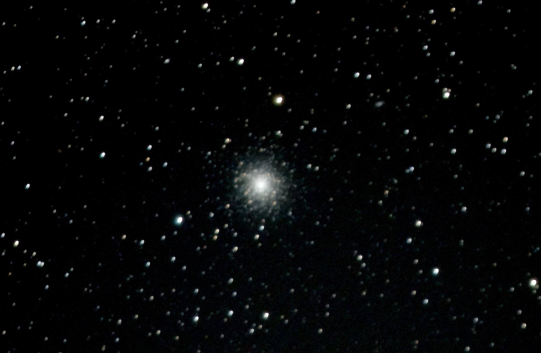 Messier 13_2 aus.JPG