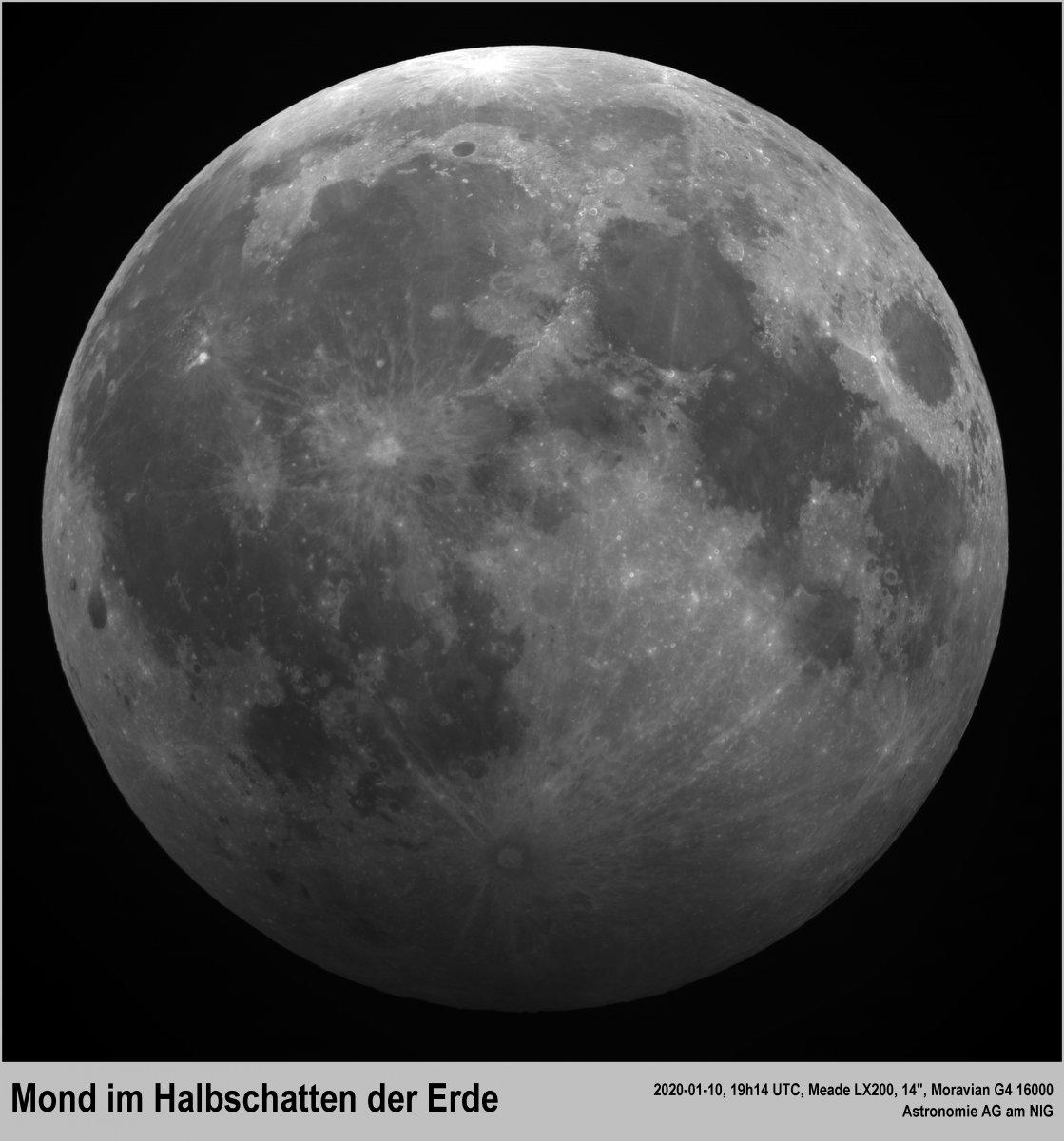 Mond im Halbschatten der Erde.jpg