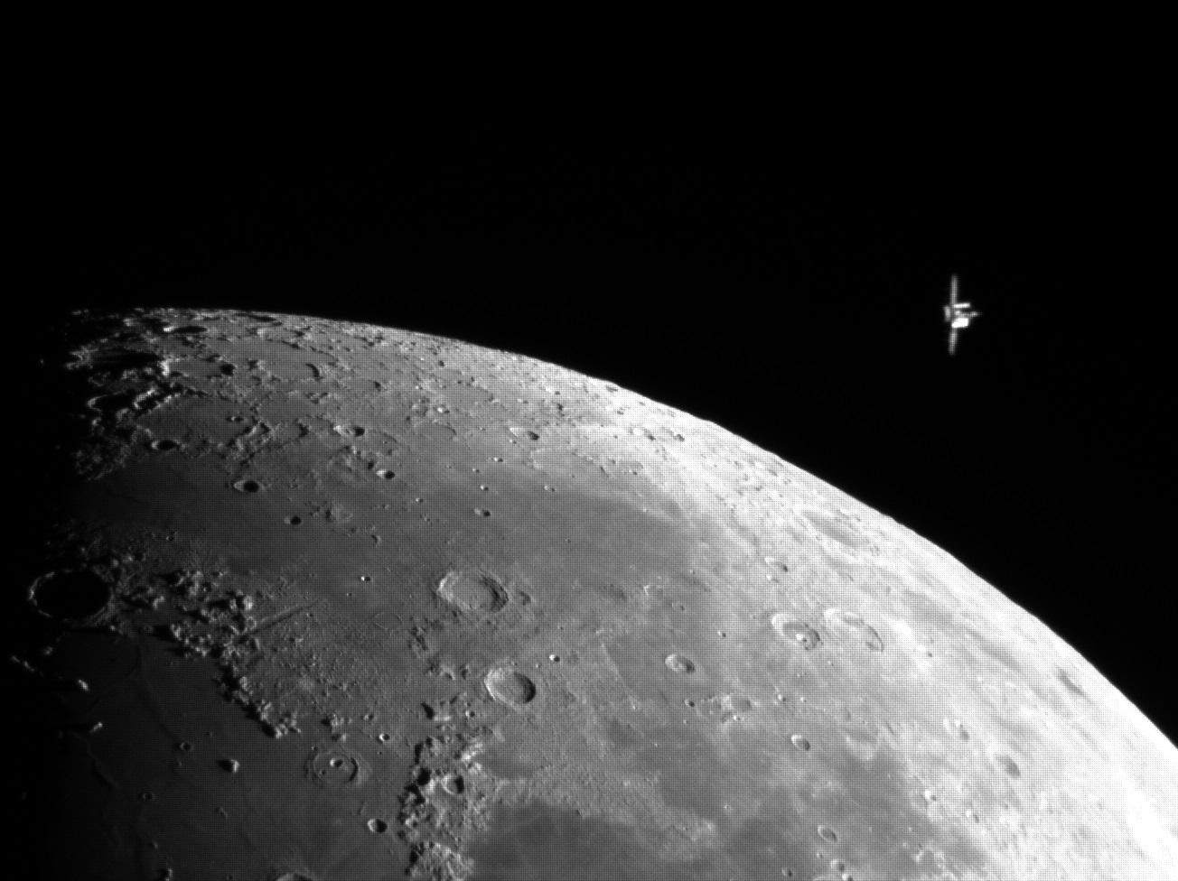 Moon_210216_010420_F_00000048.jpg