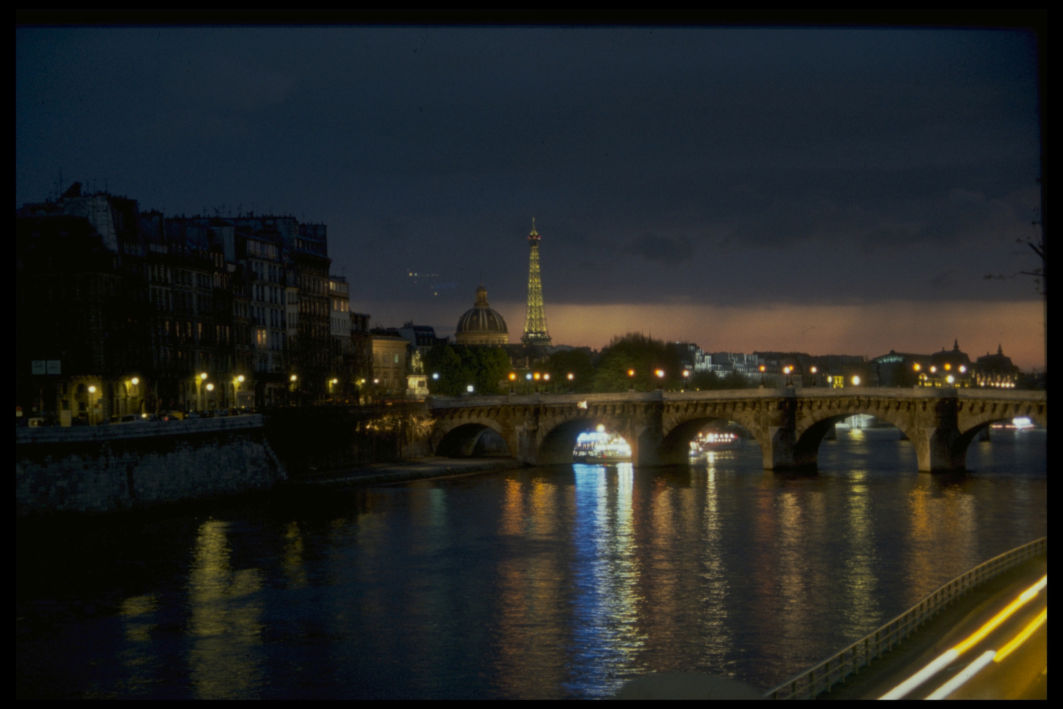 Paris_sm.jpg
