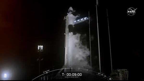 SpaceX_a.jpg