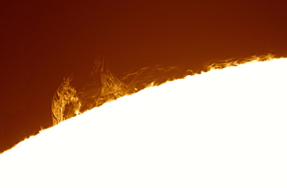 Sun_140952_180520_Halpha_lapl4_ap192_mex_col.jpg