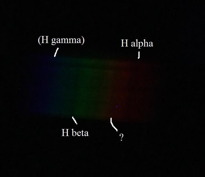 Wega Spektrum beschriftet.jpg