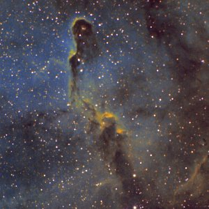 IC1396A-Erster Versuch Hubble-Palette