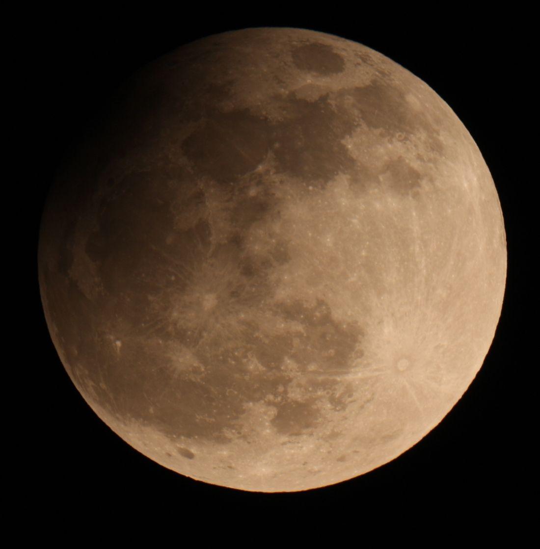 Maximum Mondfinsternis 25_4_2013 22_08 MESZ verkleinert.jpg