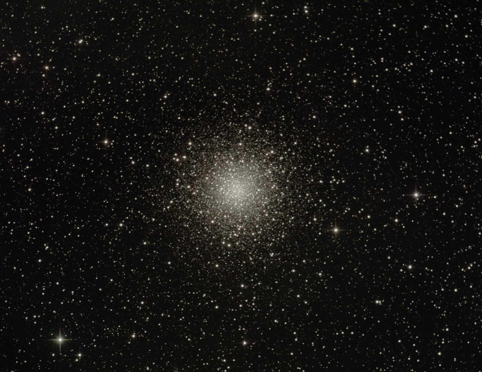 Messier_M10.jpg