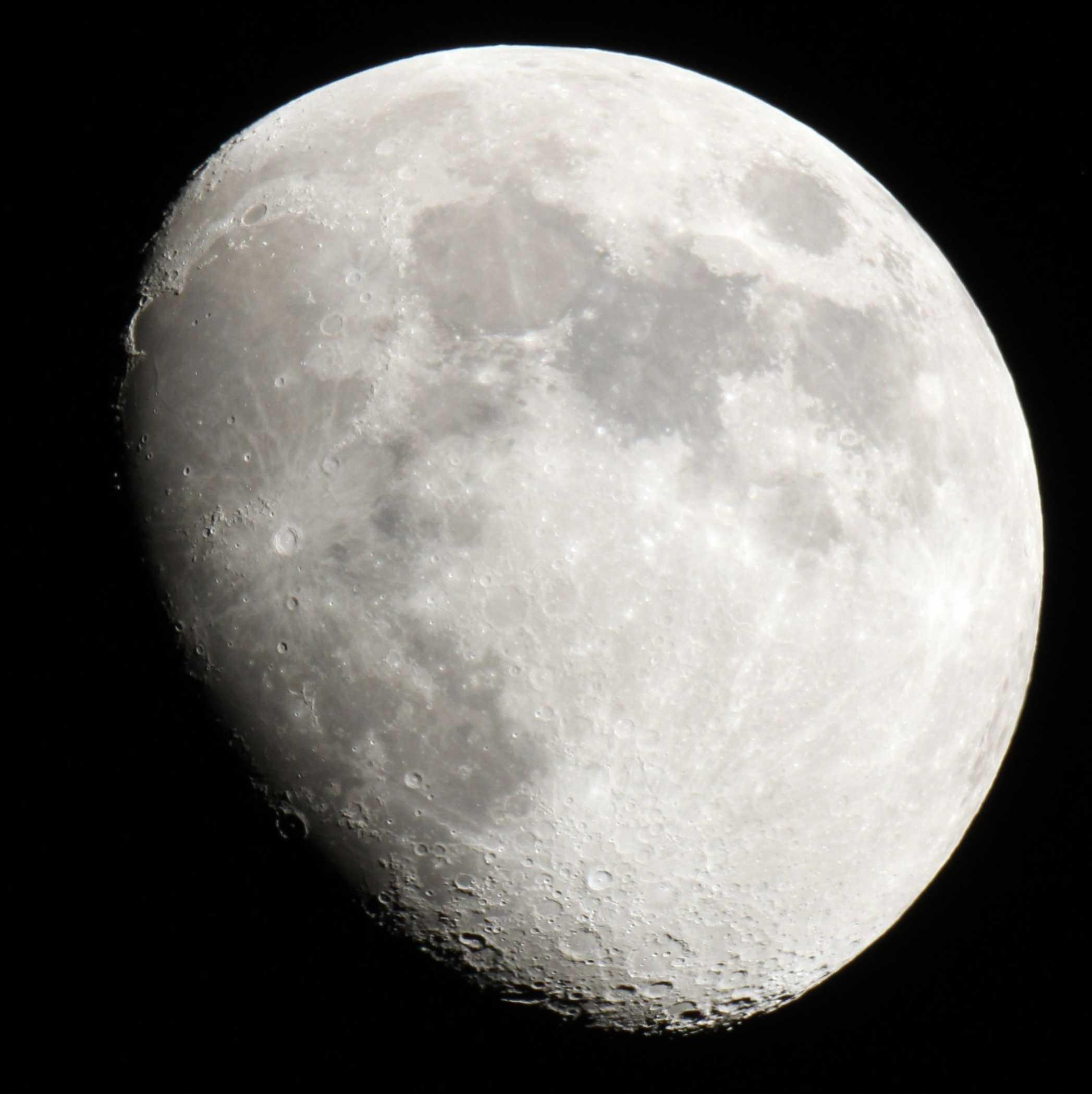 Mond_am_04.07.2014_ISO400_1/60s_EOS600D_MTO_1000/100.jpg